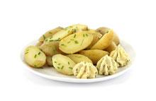 Mini aardappelen in de schil met lookboter